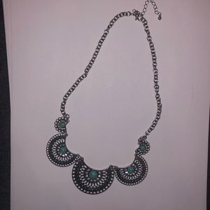 Jewelry: Silver/Turquoise Stone Statement Necklace